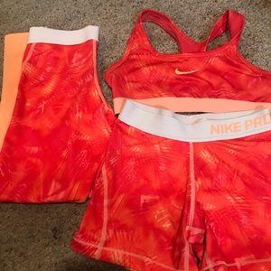 Nike 3-Pc Set Sports Bra, Shorts, Leggings Girls M